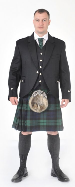 Chieftain 8 Yard Full Kilt Highland Dress Package